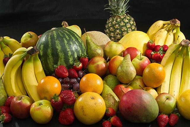 owoce - sposób na białe zęby