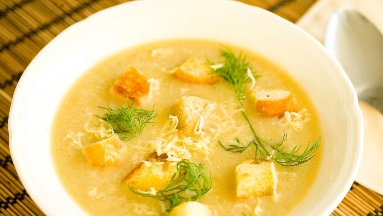 Zupa cebulowa - śniadanie na odchudzanie